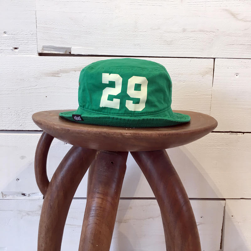 CLASSIC BUCKET HAT / Kelly Green × Ivory White