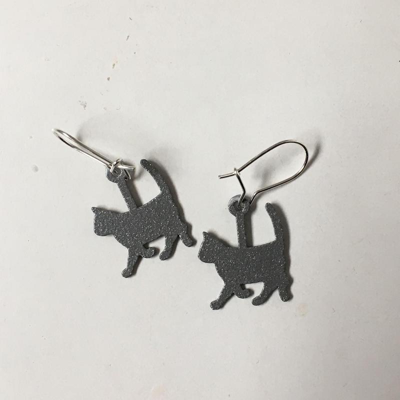 猫ピアス シルバー