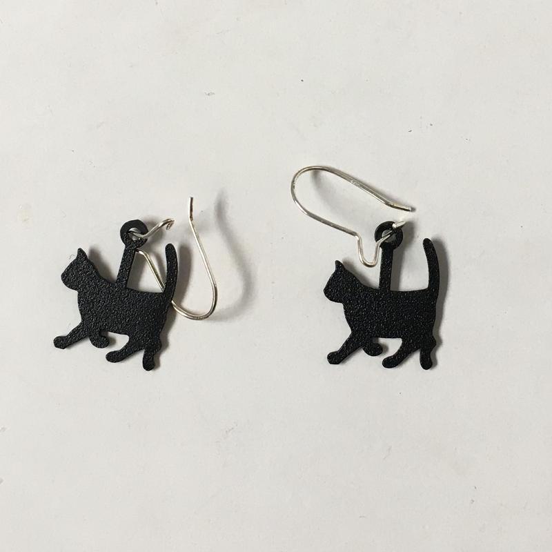 猫ピアス 黒