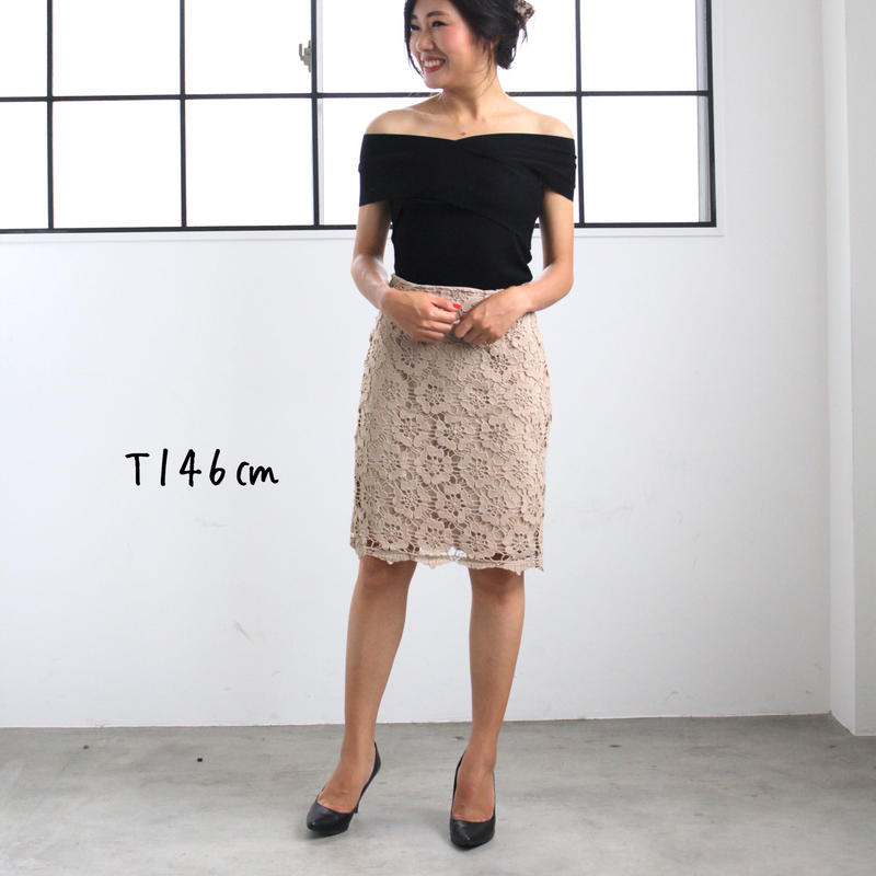 クロッシェレースタイトスカート