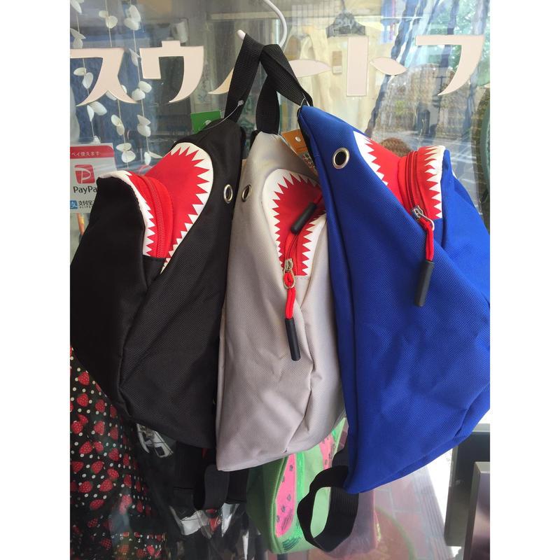 サメ ウエストポーチ