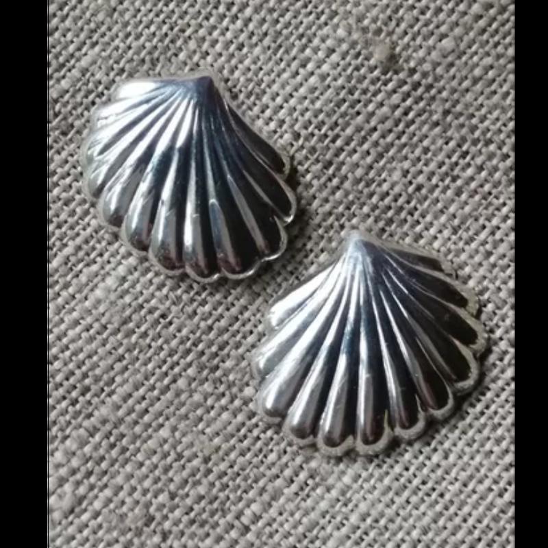 90's  Vintage  silver pierces