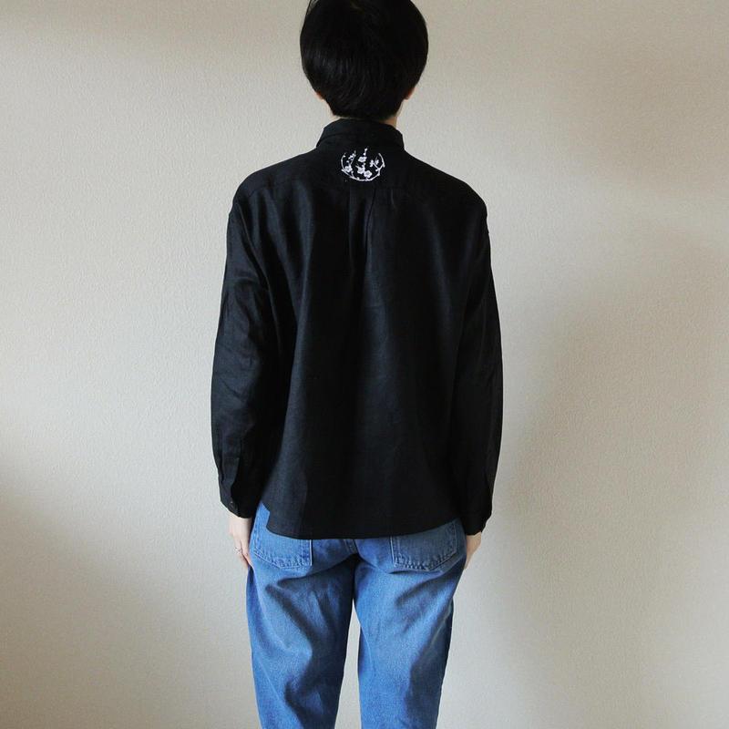 リネンシャツ黒 <丸紋梅>