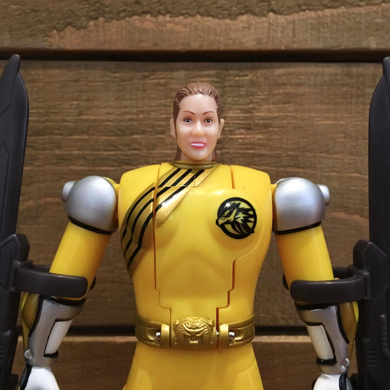 POWER RANGERS Yellow Spin-Morphin Power Ranger Figure/パワーレンジャー  スピンモーフィン・イエローレンジャー フィギュア/190506-6