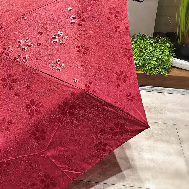 【折 50cm 浮き出シリーズ】傘専門店 通販 東京 折りたたみ傘 UV 晴雨兼用 レディース メンズ 旅傘【Flat エンジ】
