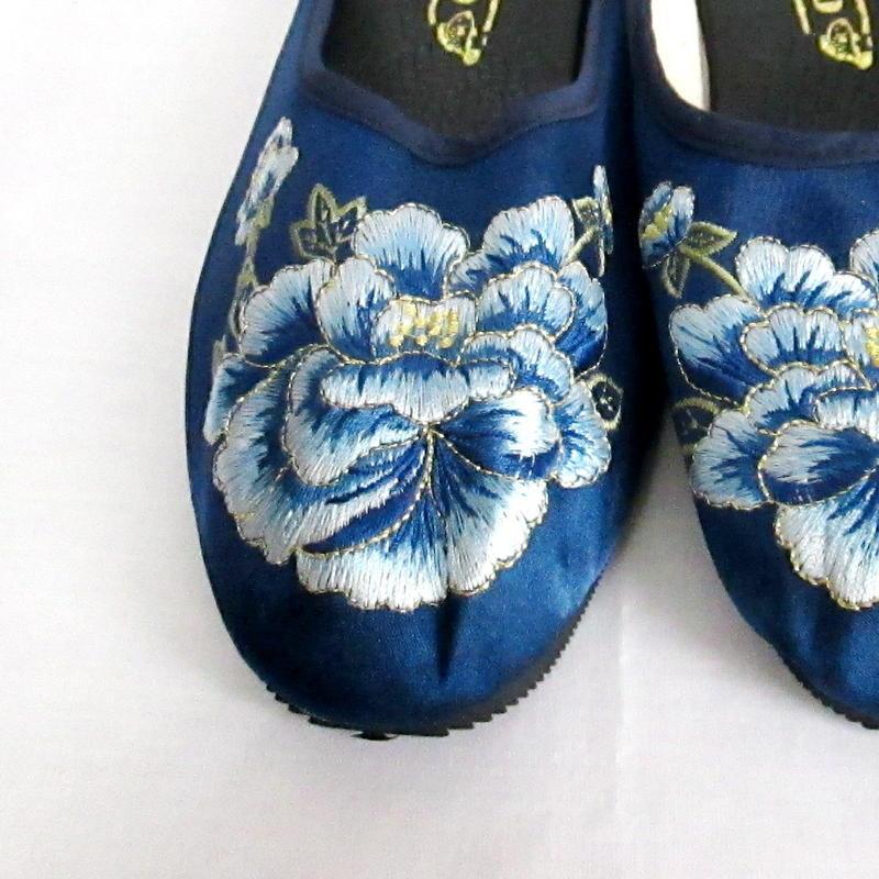 チャイナサンダル(刺繍・花)ブルー