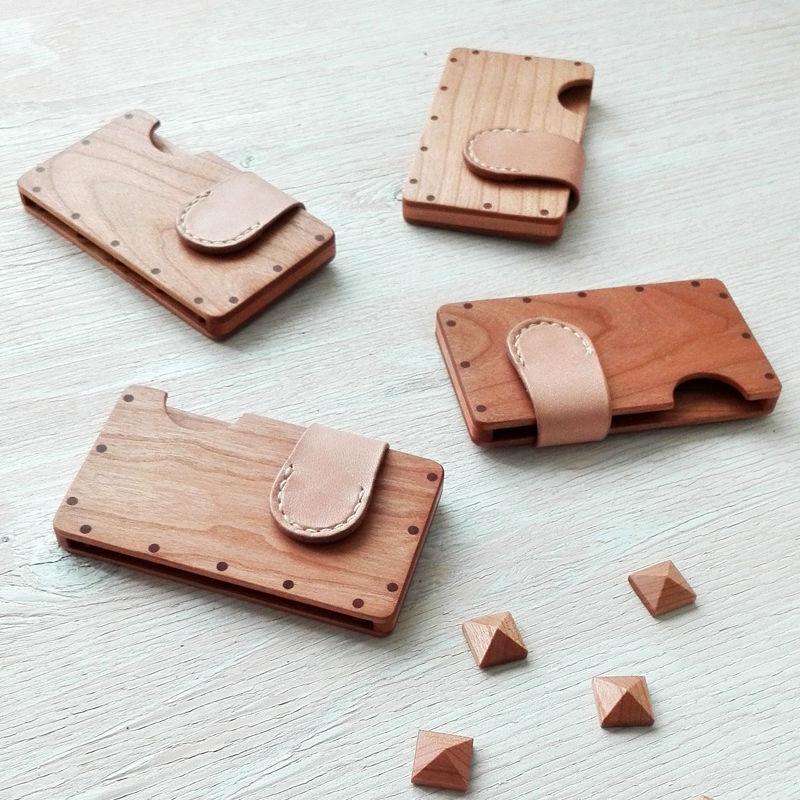 a card case チェリー×ナチュラル 木と革の手作り名刺入れ