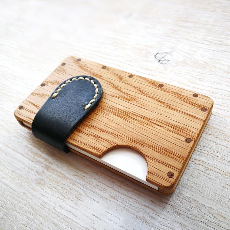 a card case オーク×ネイビー - 木と革の手作り名刺入れ -