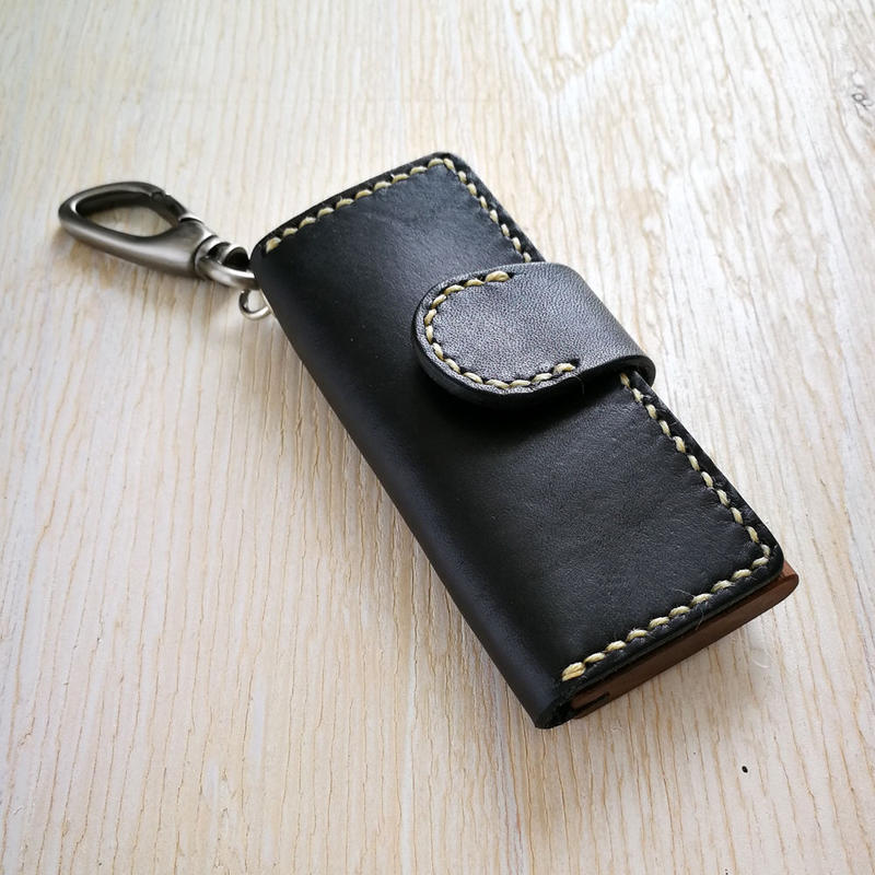 keycase ウォールナット - 木と革のキーケース -