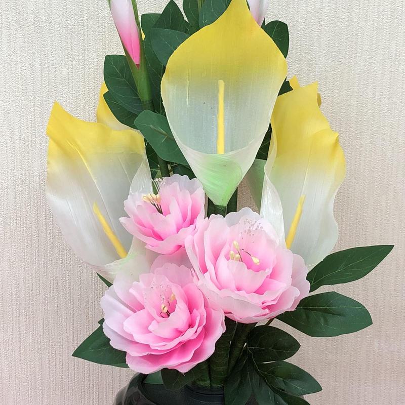 光る仏花 7色に変化する花