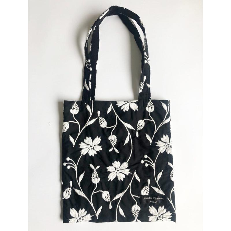 Embroidery tote_bag(black × white刺繍)