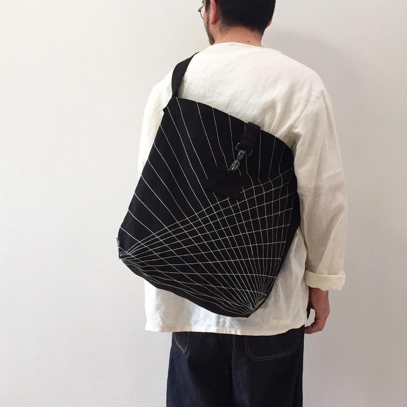 幾何学ステッチバッグ