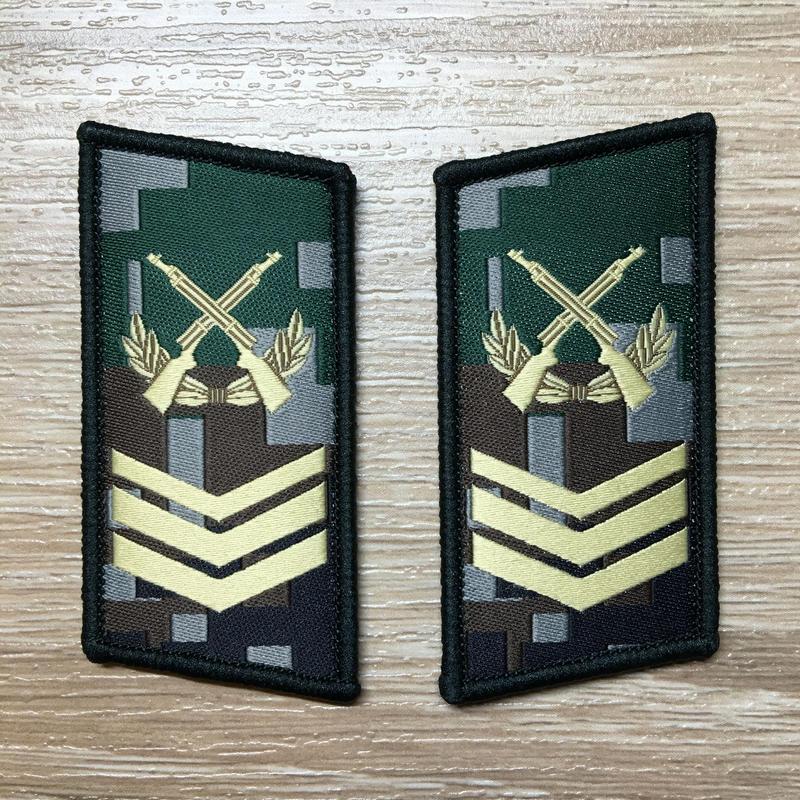 【三級軍士長】中国人民解放軍07式迷彩服用 林地迷彩柄 襟章 階級章