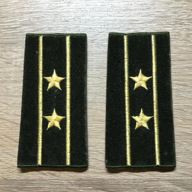 【コレクター商品】中国人民解放軍87式 陸軍 中校 筒式肩章(1992年~)