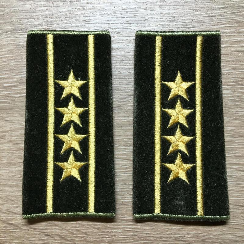【コレクター商品】中国人民解放軍87式 陸軍 大校 筒式肩章(1992年~)
