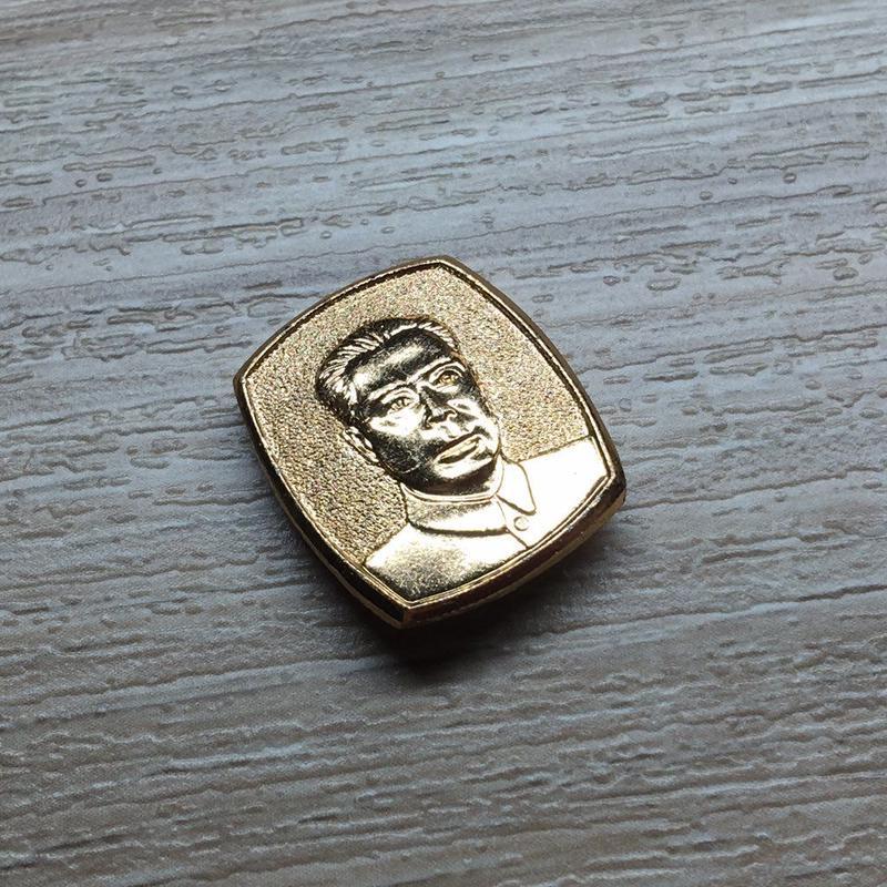 【コレクター商品】周恩来 金属製バッジ