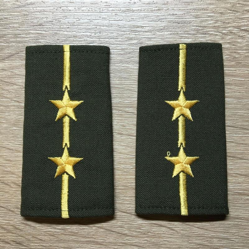 【コレクター商品】中国人民解放軍87式 陸軍 中尉 筒式肩章(1988年~1992年)