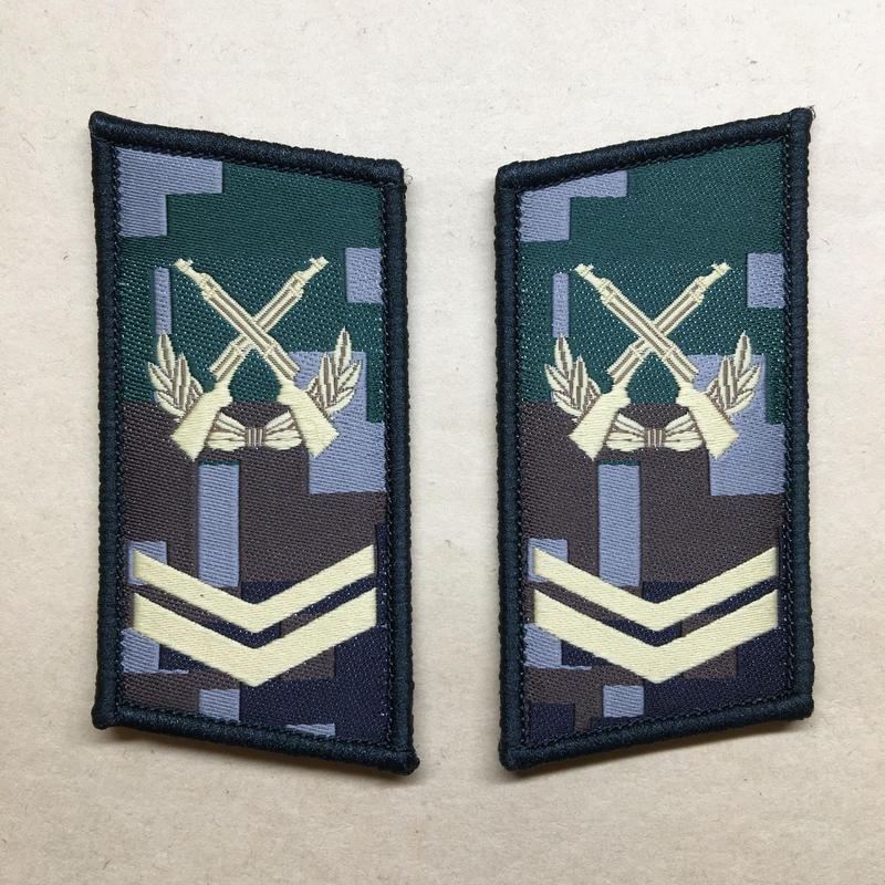 【上士】中国人民解放軍07式迷彩服用 林地迷彩柄 襟章 階級章