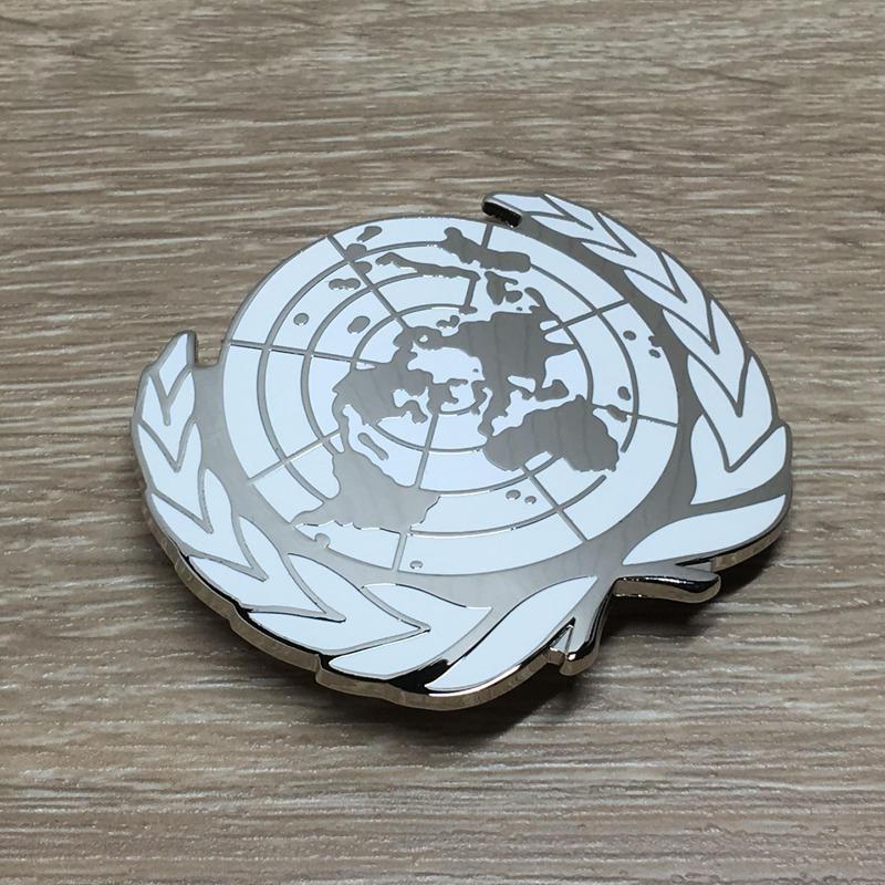 国連派遣部隊 PKO ベレー帽用金属製帽章(シルバーカラー)