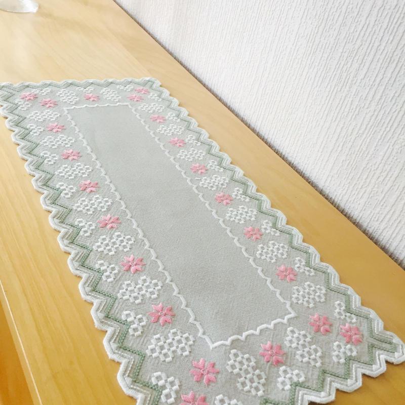 テーブルランナー/刺繍/リネン.綿混