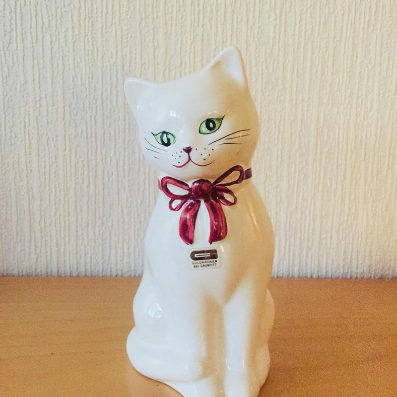 Guldkroken HJO SWEDEN/ゴールドクローケン/白ネコちゃんのフィギュア