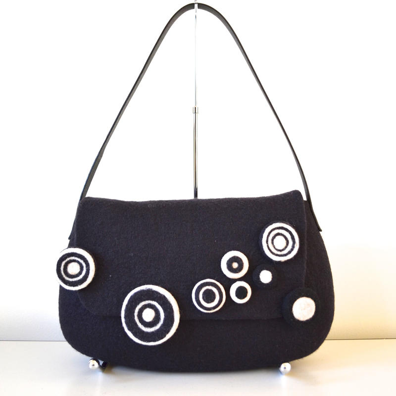 まるまるショルダー Circle motif shoulder bag