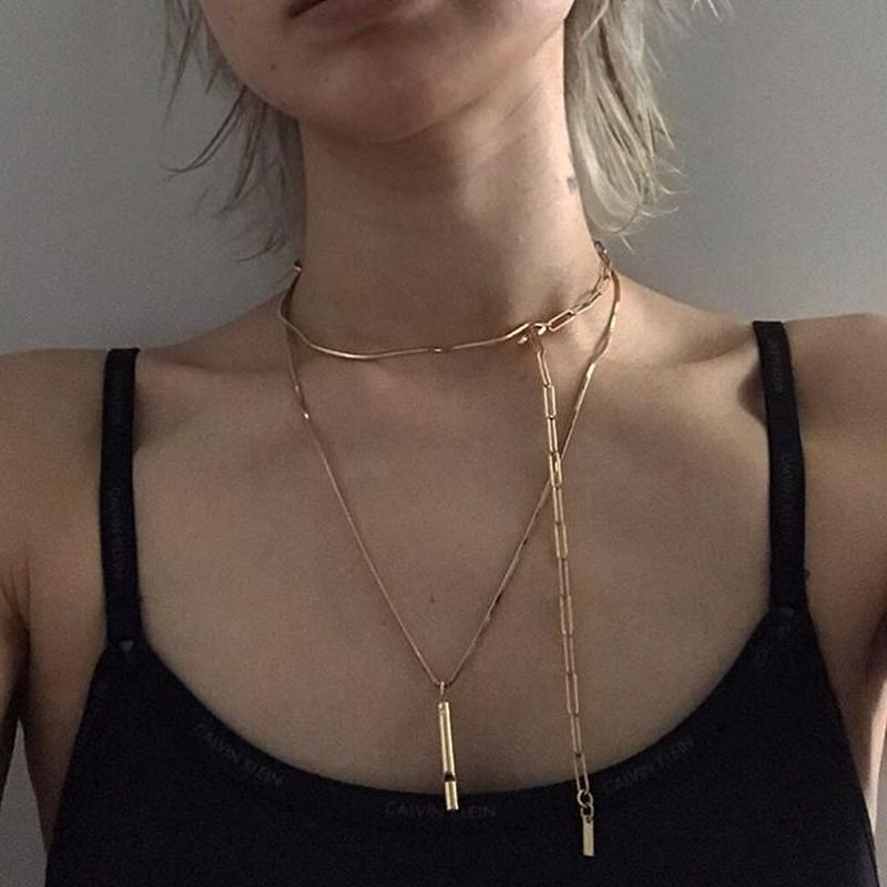 stem line necklace