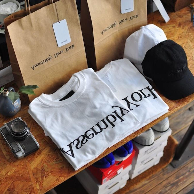 ★ ASSEMBLY NEW YORK / ヒント別注 LOGO S/S T SHIRT  (WHITE) ★