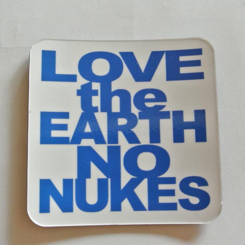LOVE the EARTH NO NUKES マグネット