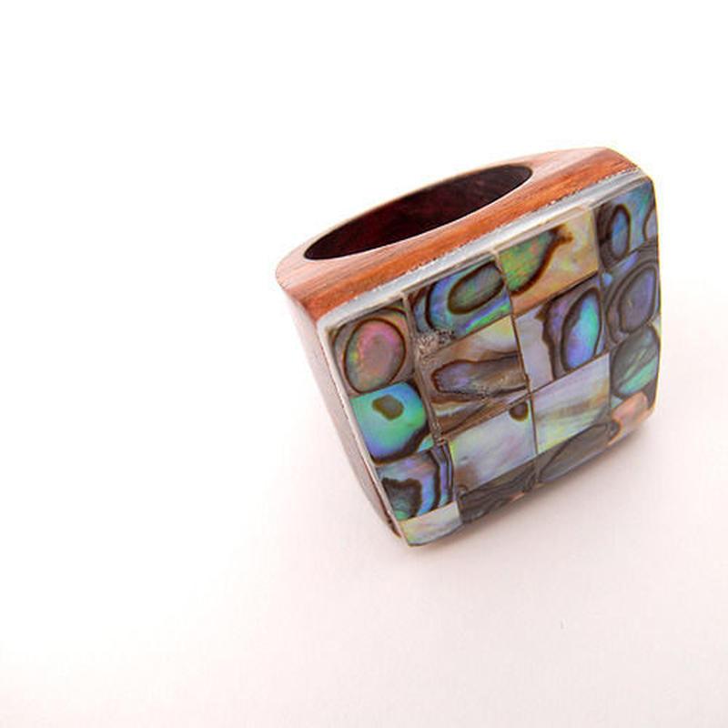 【SALE】シェルインレイの木製リング・斑入り