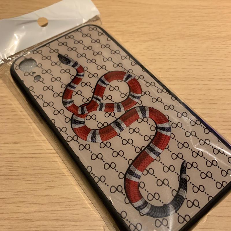 モノグラム ヘビ 柄 iPhone X XS XR スマホケース ベージュ