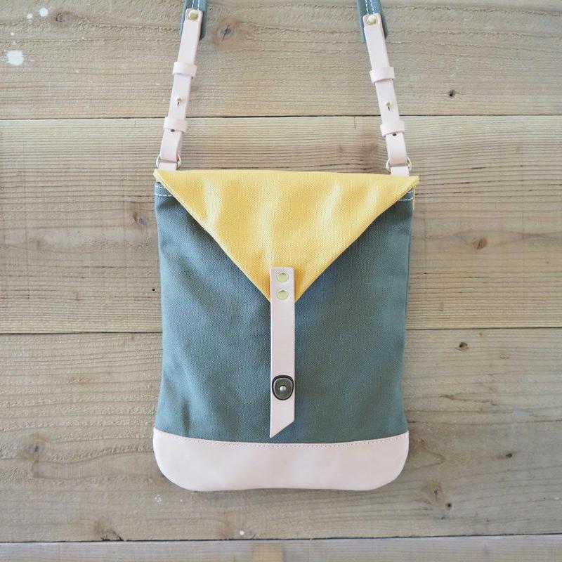 帆布Book Bag(カーキ×マスタード)