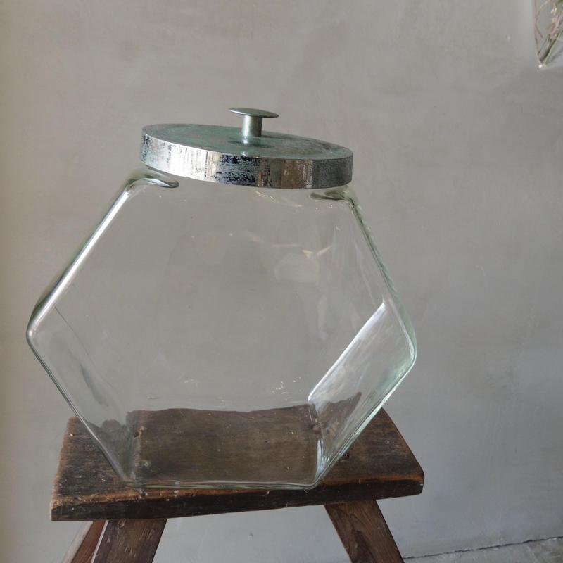 六角形の瓶