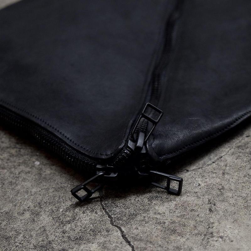 VERTICES CLUTCH BAG