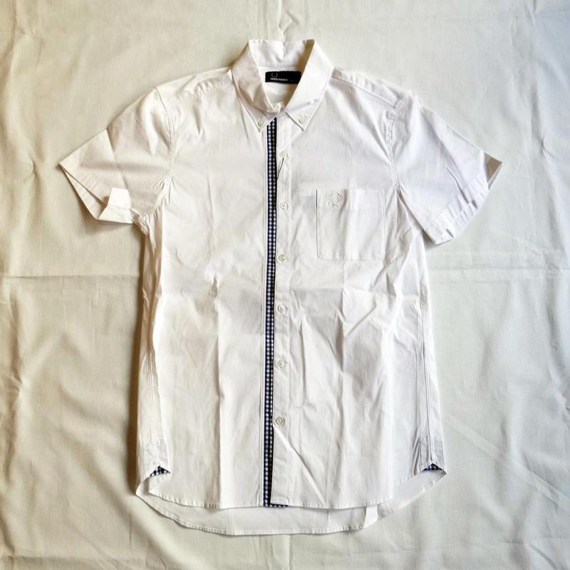 FRED PERRY   半袖シャツ(ホワイト/ブラックブルー:ギンガムチェック)