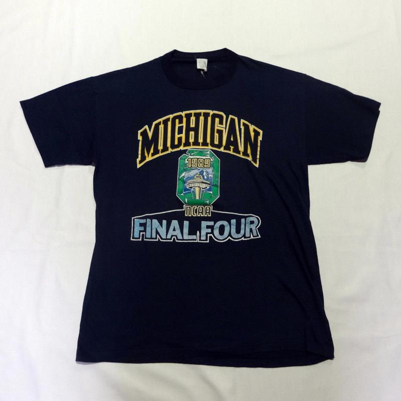 USED (古着)MICHIGAN FINAL FOUR Tシャツ(ネイビー)