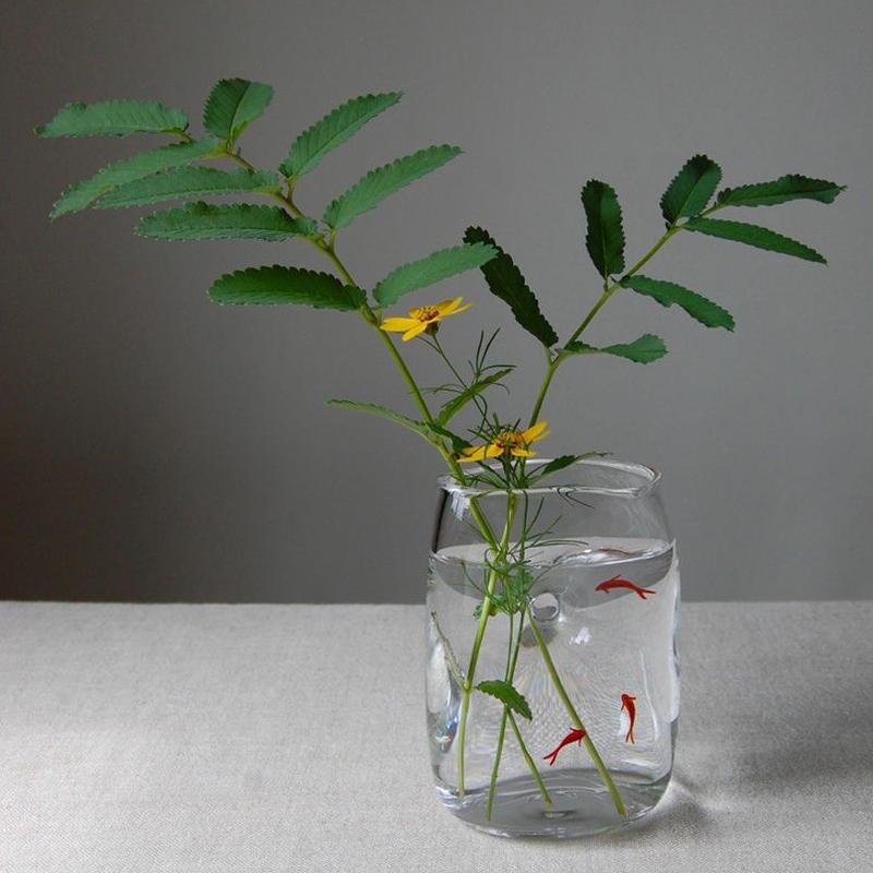 flower vase「魚も水も楽しむ花器(中)」久保 裕子