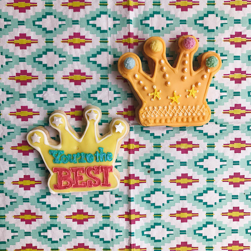 Crown cookie