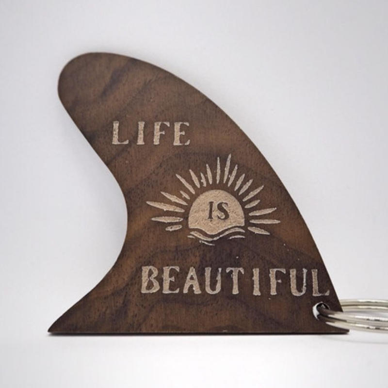 wood fin Key charm (Life is beautiful)
