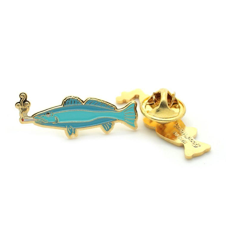 SMOKING FISH PIN