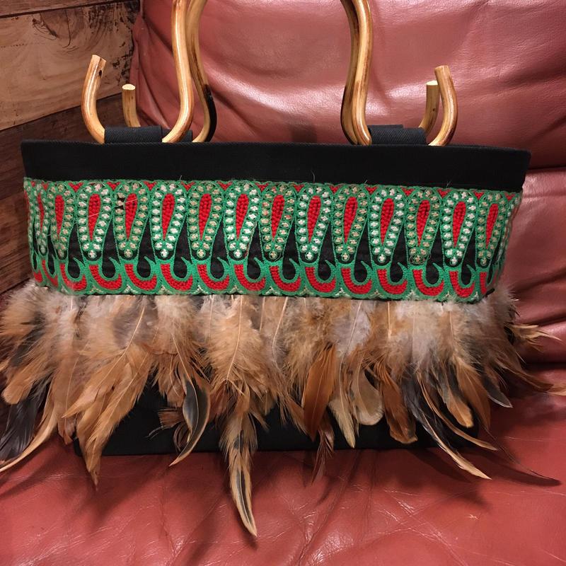 フェザー刺繍リボンバッグ