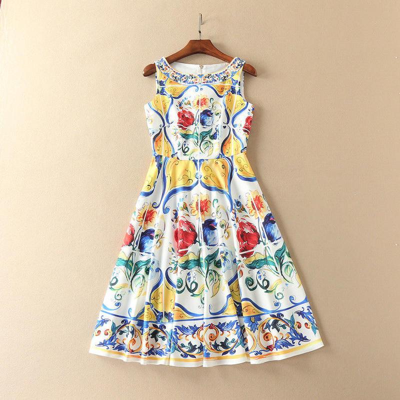 ヨーロピアンプリントドレス