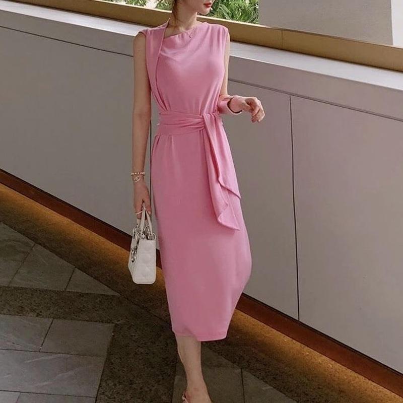 デザインピンクドレス