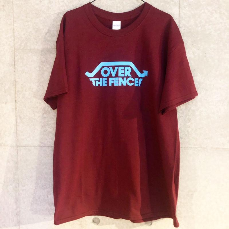 OVER THE FENCE Tシャツ(maroon)