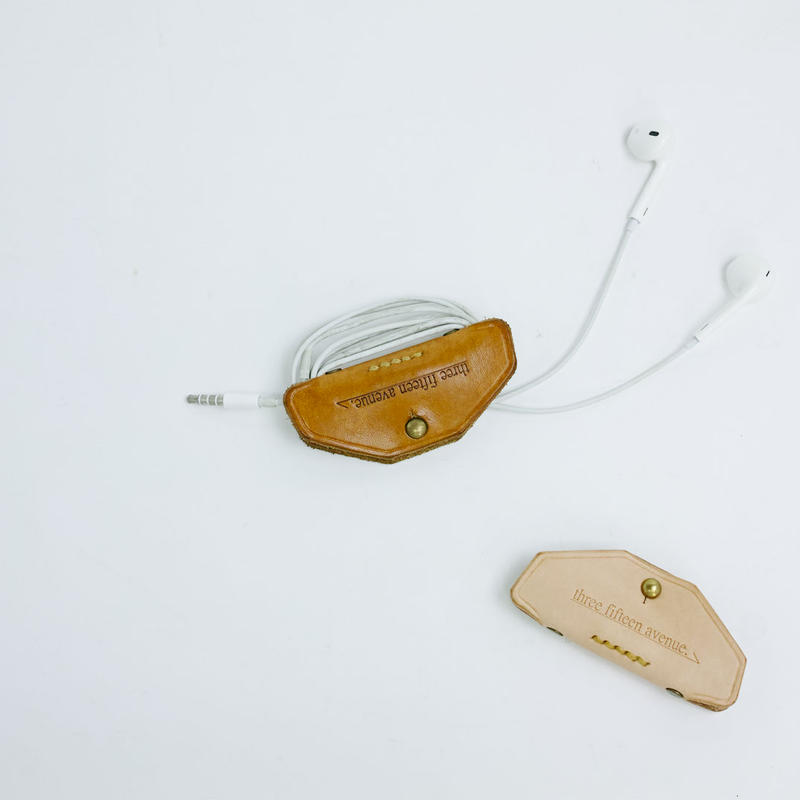hourglass earphones clip