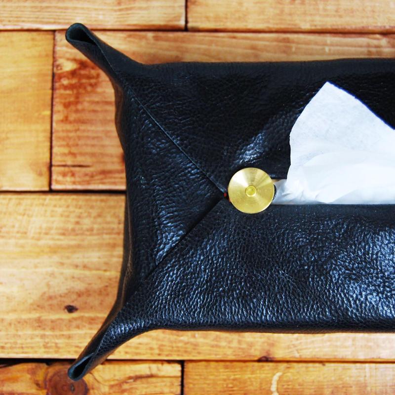 hourglass tissue box cover