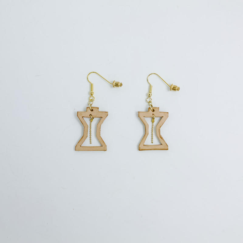 hourglass hook type earrings