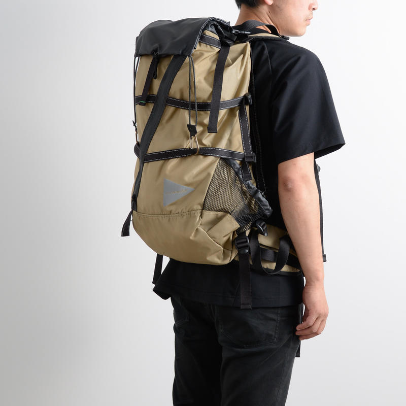 and wander / 40L Backpack