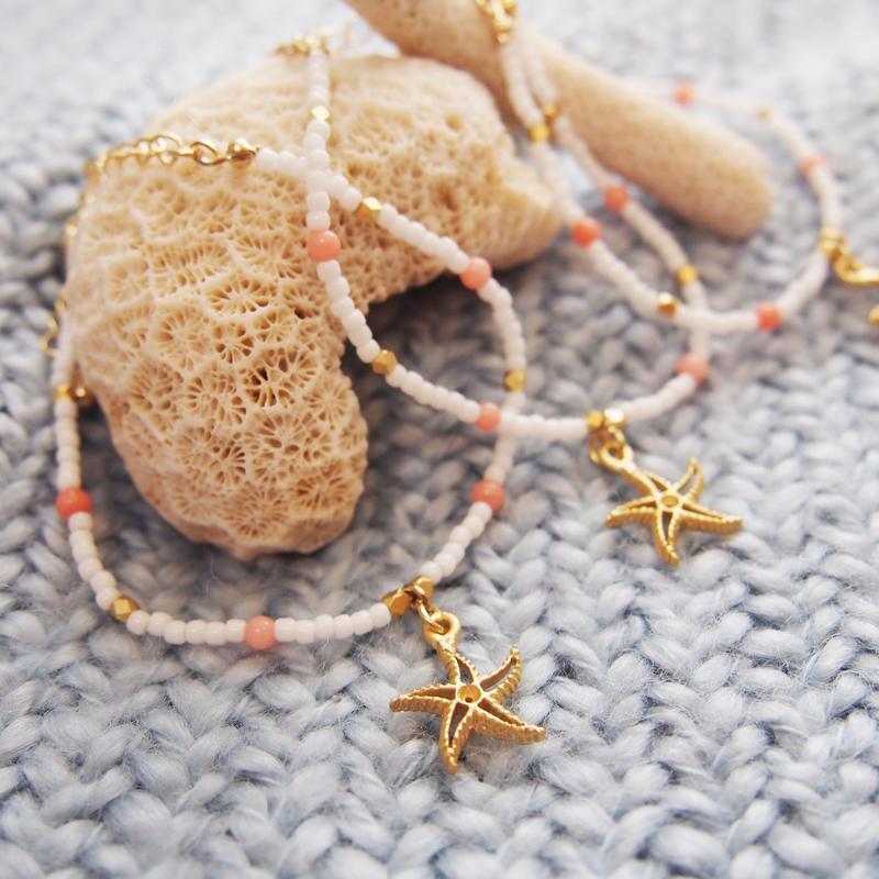 <<Tiary>>チャームブレスレット~ホワイト×サンゴ~