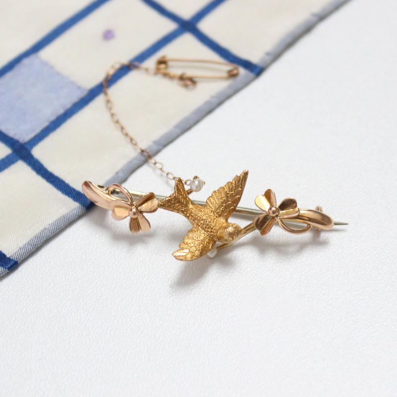 鳥とクローバーのブローチ*15ct gold & peal